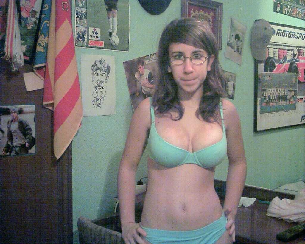 Ugly-Faces-Sexy-Bodies-4